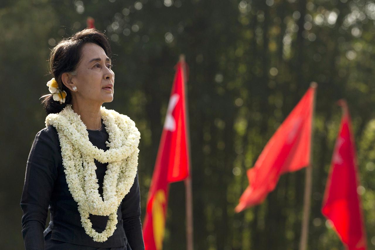 Nobel da Paz Aung San Suu Kyi em visita histórica