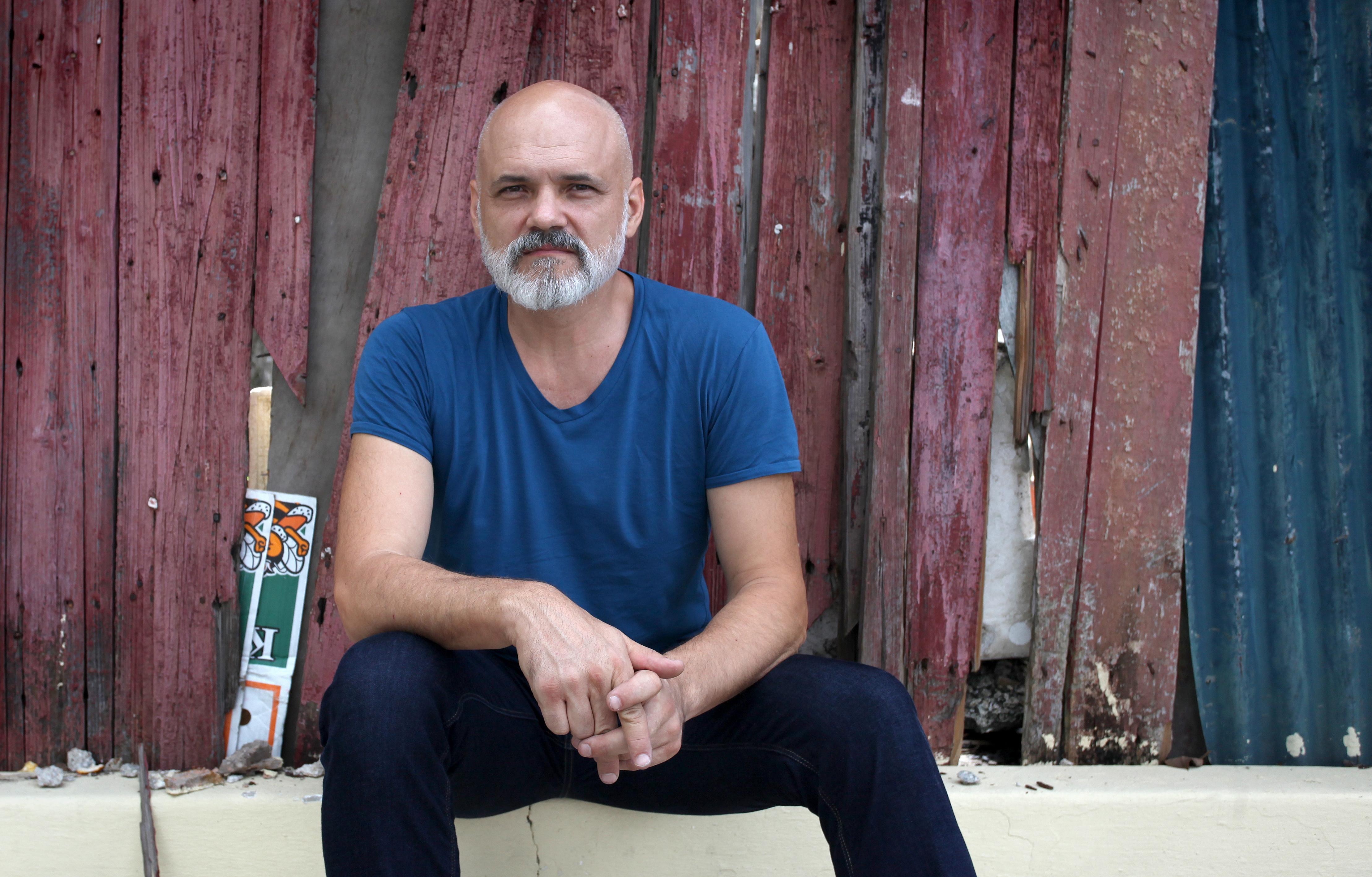 """Konstantin Bessemertny: """"O dinheiro não nos faz ter mais consciência cultural"""""""