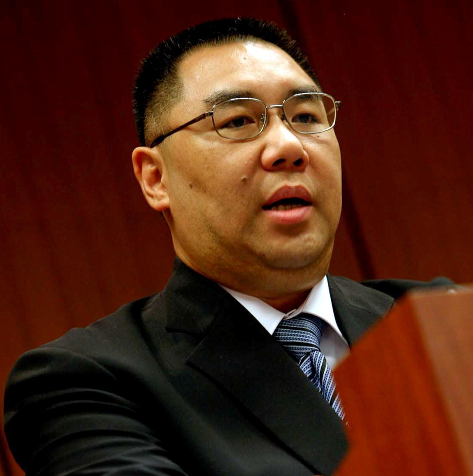Chui discute áreas marítimas em Pequim. Calendário de cheques a chegar
