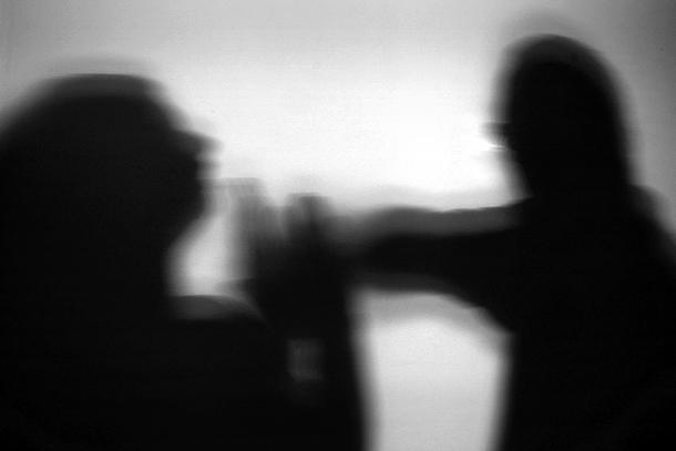 """Violência familiar acontece """"escondida"""" . IAS quer mais atenção"""