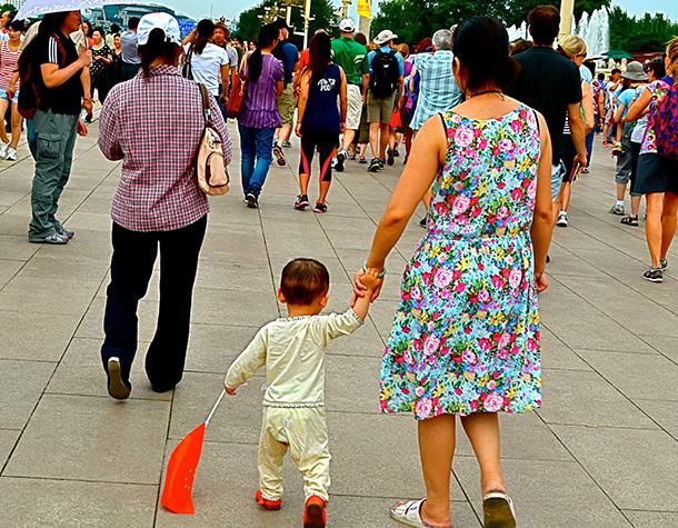 Pequim com plano para reunir progenitores migrantes com filhos deixados para trás