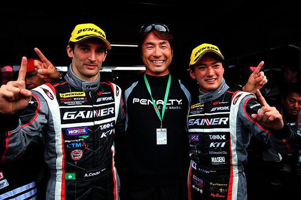 GT300 | André Couto mais líder no Japão