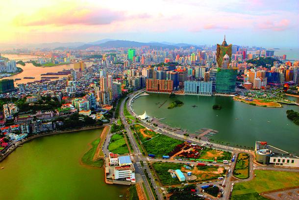 Emigração | Menos portugueses em Macau. Território é o 19º local mais apetecido