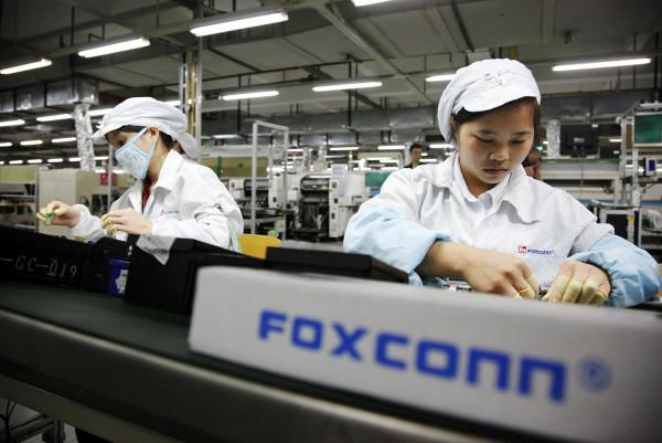 Foxconn quer contratar 100.000 pessoas para lançar novo iPhone