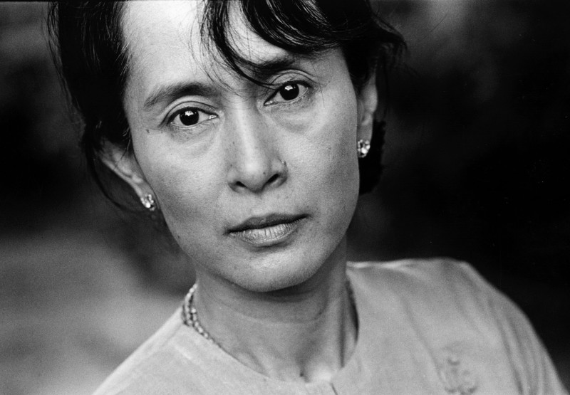 Advogado que defendeu Aung San Suu Kyi morre vítima de covid-19