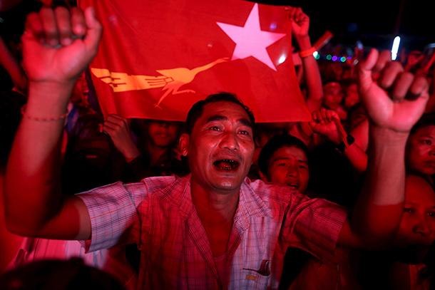 Enviado especial da ONU pede sanções e embargo global de armas a Myanmar