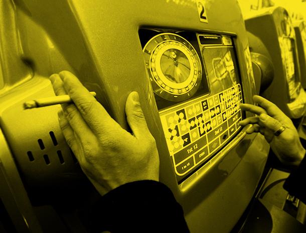 Petição |Empregados querem interdição total de tabaco nos casinos