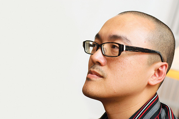 Lei de Terras   Gabriel Tong quer revisão imediata. Lau Veng Seng irá apresentar projecto
