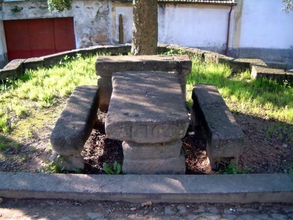 A mesa de pedra