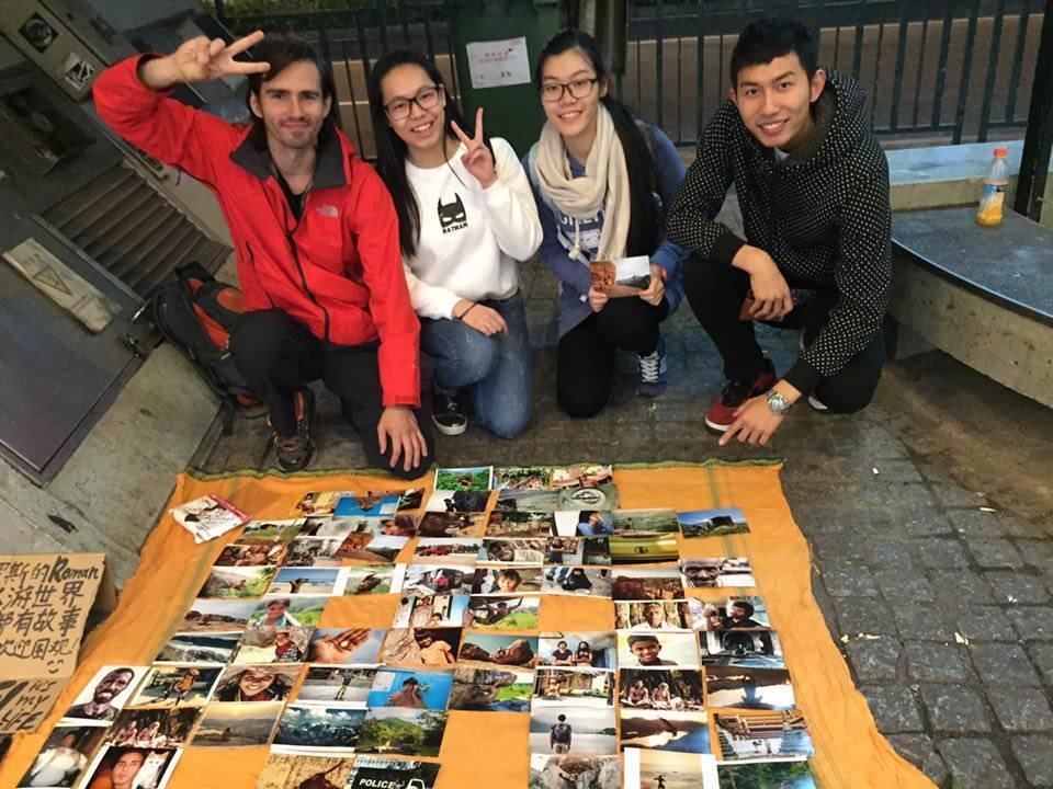 """Turista de Moscovo """"artista de rua"""" preso por ocupar passeio"""