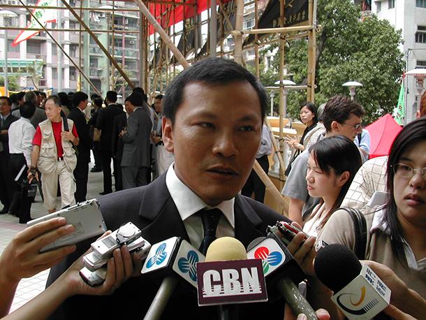 Sin Fong Garden | Li Canfeng diz que demolição acontece nos próximos dias