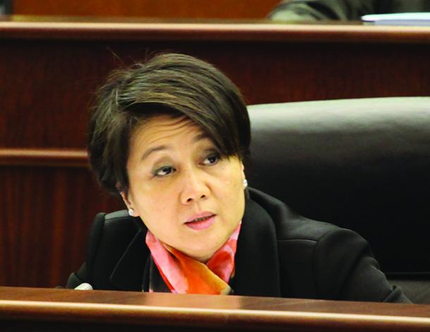 Angela Leong pede fiscalização de subsídios a escolas privadas