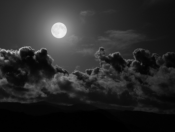 Música e caligrafia em noite de lua cheia Festival das Lanternas de volta ao Albergue SCM