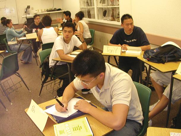 """Estudantes   Vistos autorizados por """"importância"""" e """"necessidade"""""""