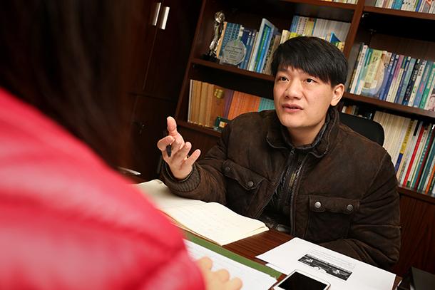"""Chang Kam Pui, director de associação ambiental: """"Governo está desligado do sector da reciclagem"""""""