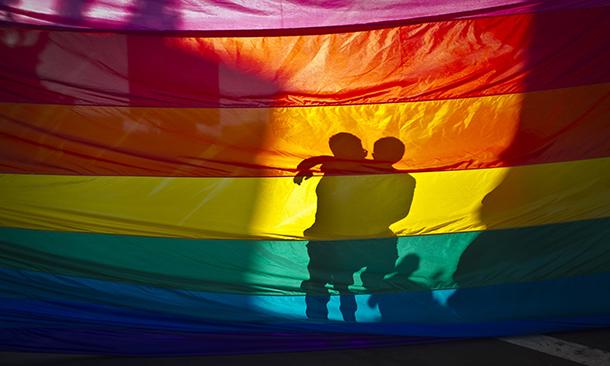 Hong Kong | Estudo revela maioria a favor do casamento gay. Em Macau não há dados