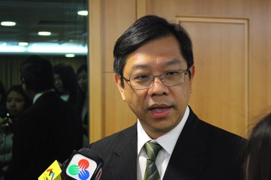 DSE   Sou Tim Peng deixa cargo e é substituído por Tai Kin Ip
