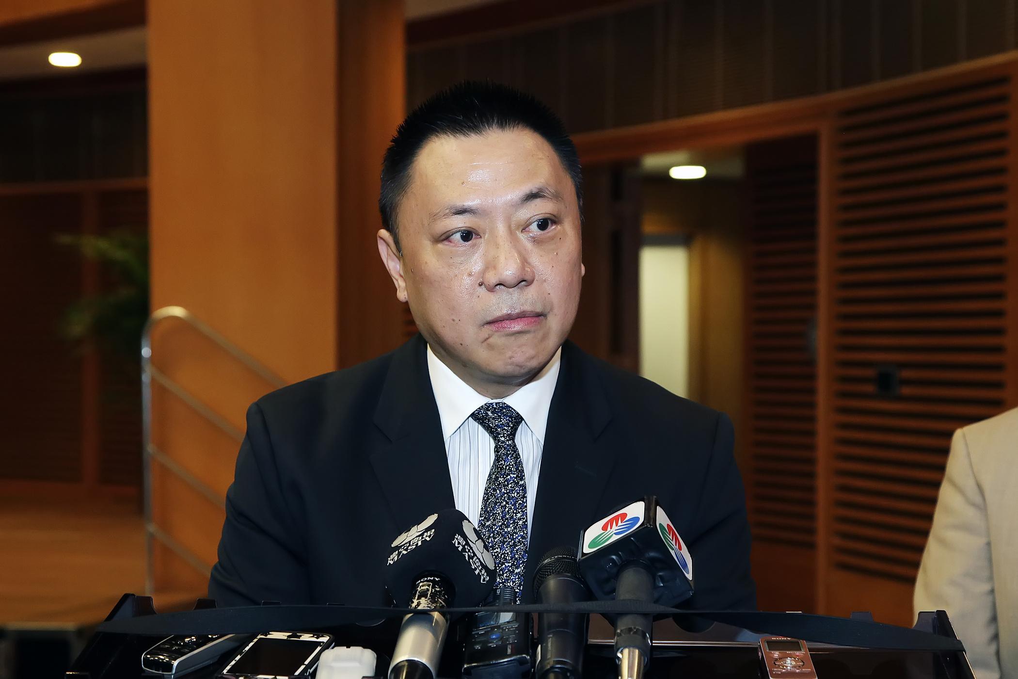 TNR | Secretário promete regime de saída com prazos fixados