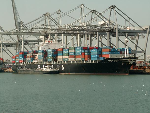 Empresas chinesas querem porto português para canalizar mercadorias para a Europa