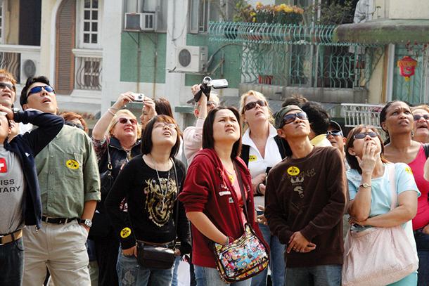 Visitantes aumentam 8% na Semana Dourada e DST encerra cinco pensões ilegais