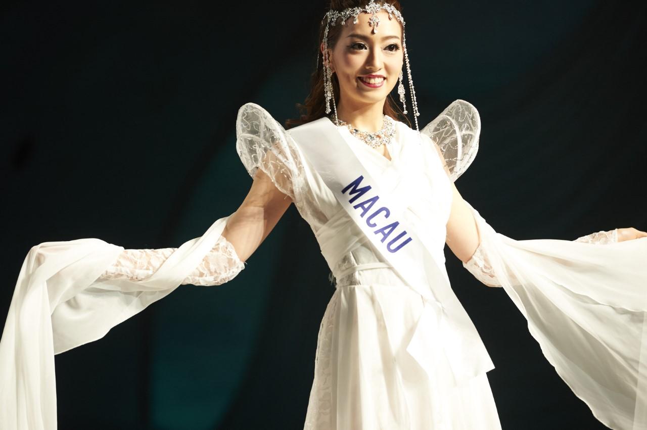 """Ana Choi, relações públicas: """"A vida é curta e posso tentar mais"""""""