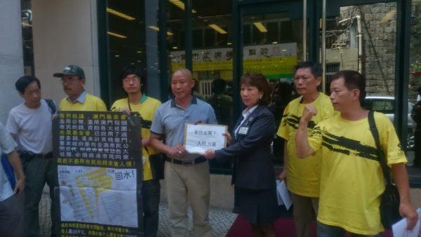 Residente diz-se vítima de injustiça pelo Instituto da Habitação