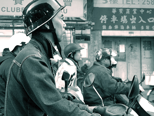 Trânsito   Discussão para regulamento de capacetes concluída