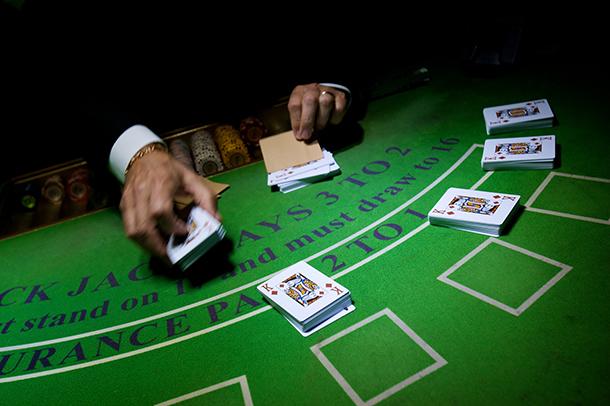 Receitas mensais dos casinos caem para 7,31 mil milhões em Fevereiro