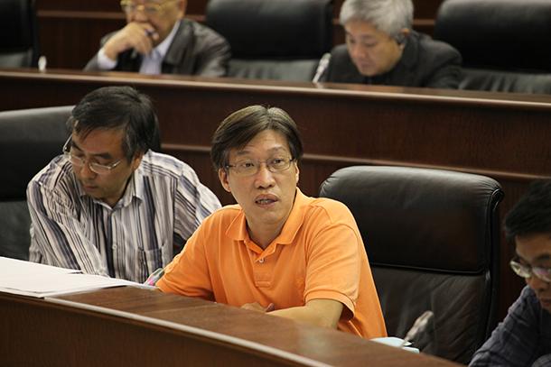 Zona B   Au Kan Sam quer tribunais e edifícios da Administração em Nam Van