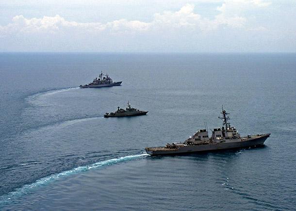 Mar do Sul da China | Pequim critica entrada de navios dos Estados Unidos