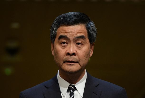 Chefe do Executivo de Hong Kong apela à união com a China