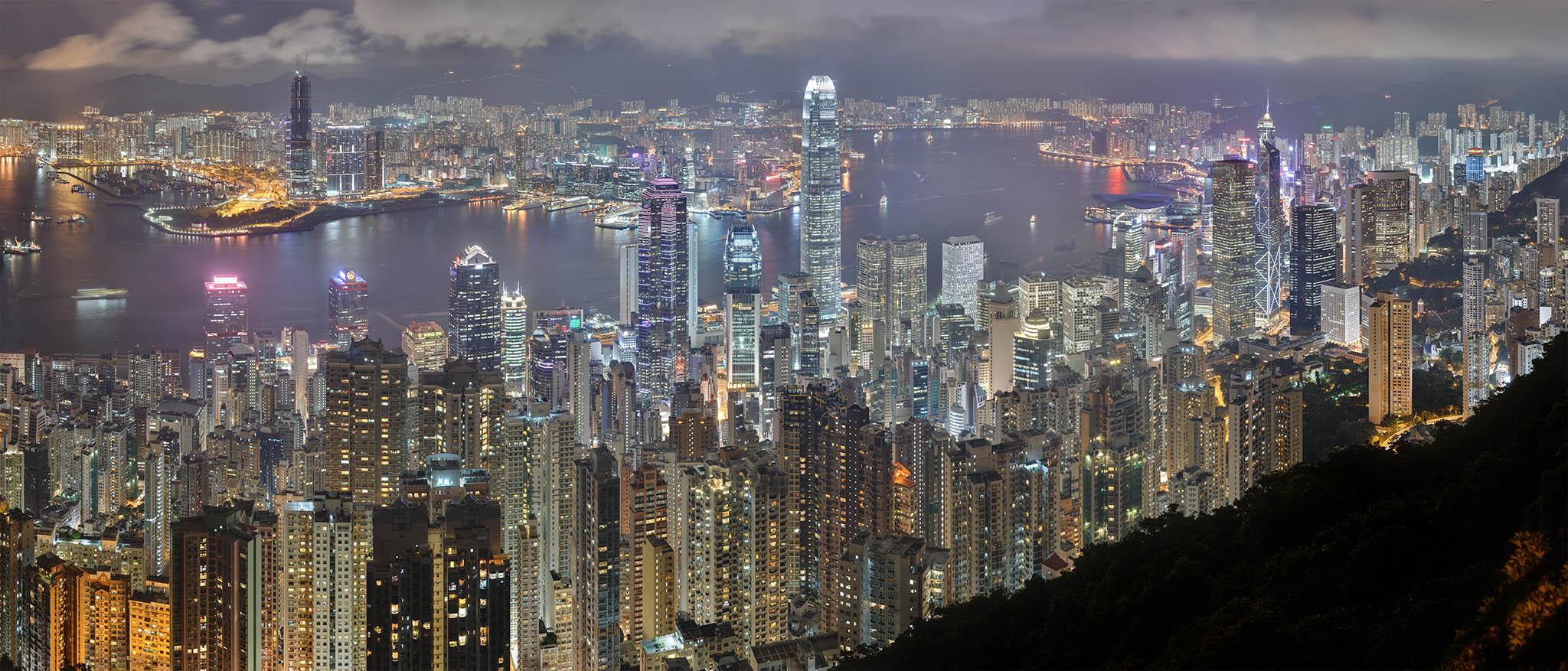 Português rouba táxi em Hong Kong, tem acidente e acaba detido