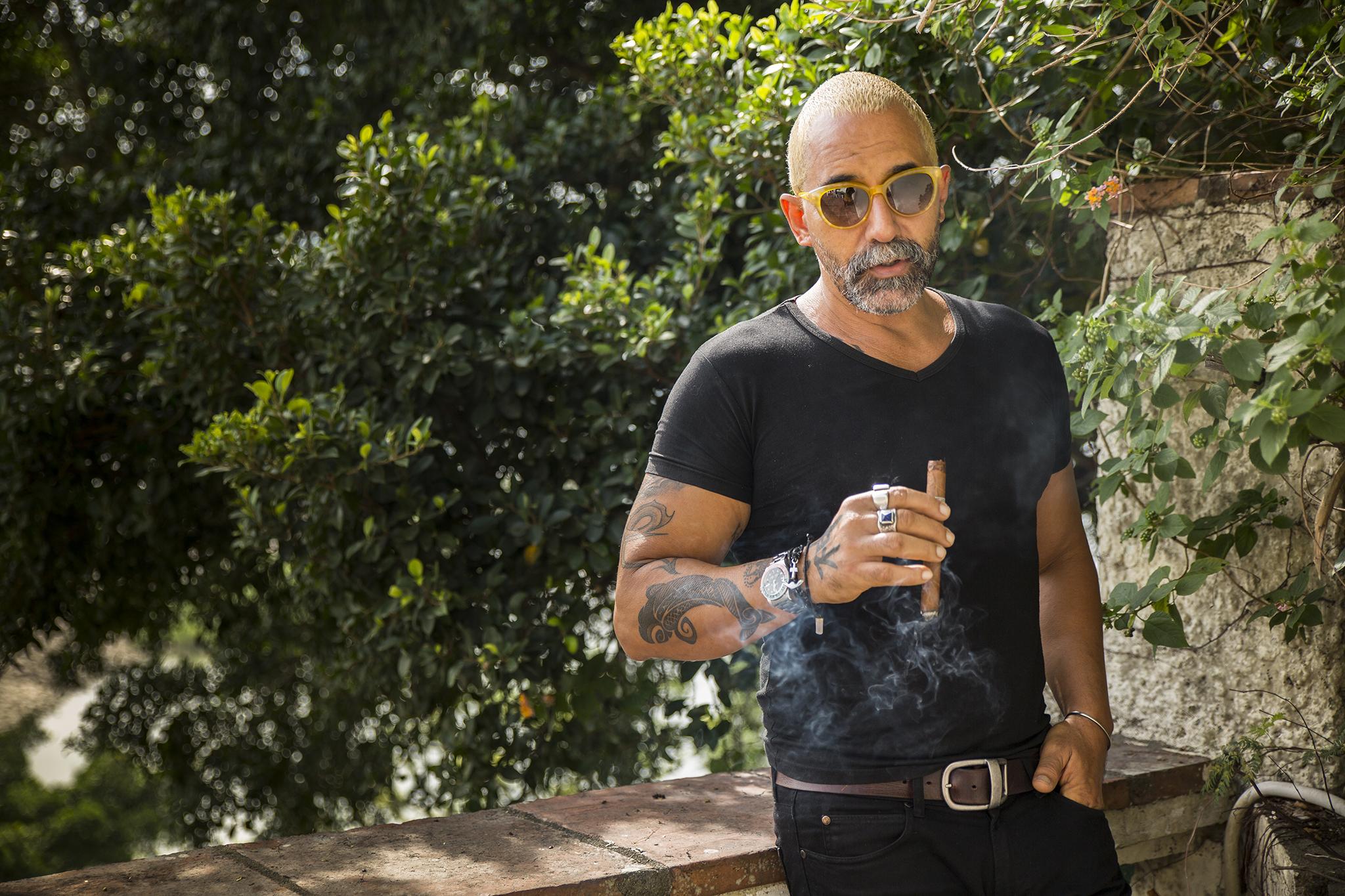 """Omar Camilo, artista plástico: """"Já conheço Cuba, não preciso voltar atrás"""""""