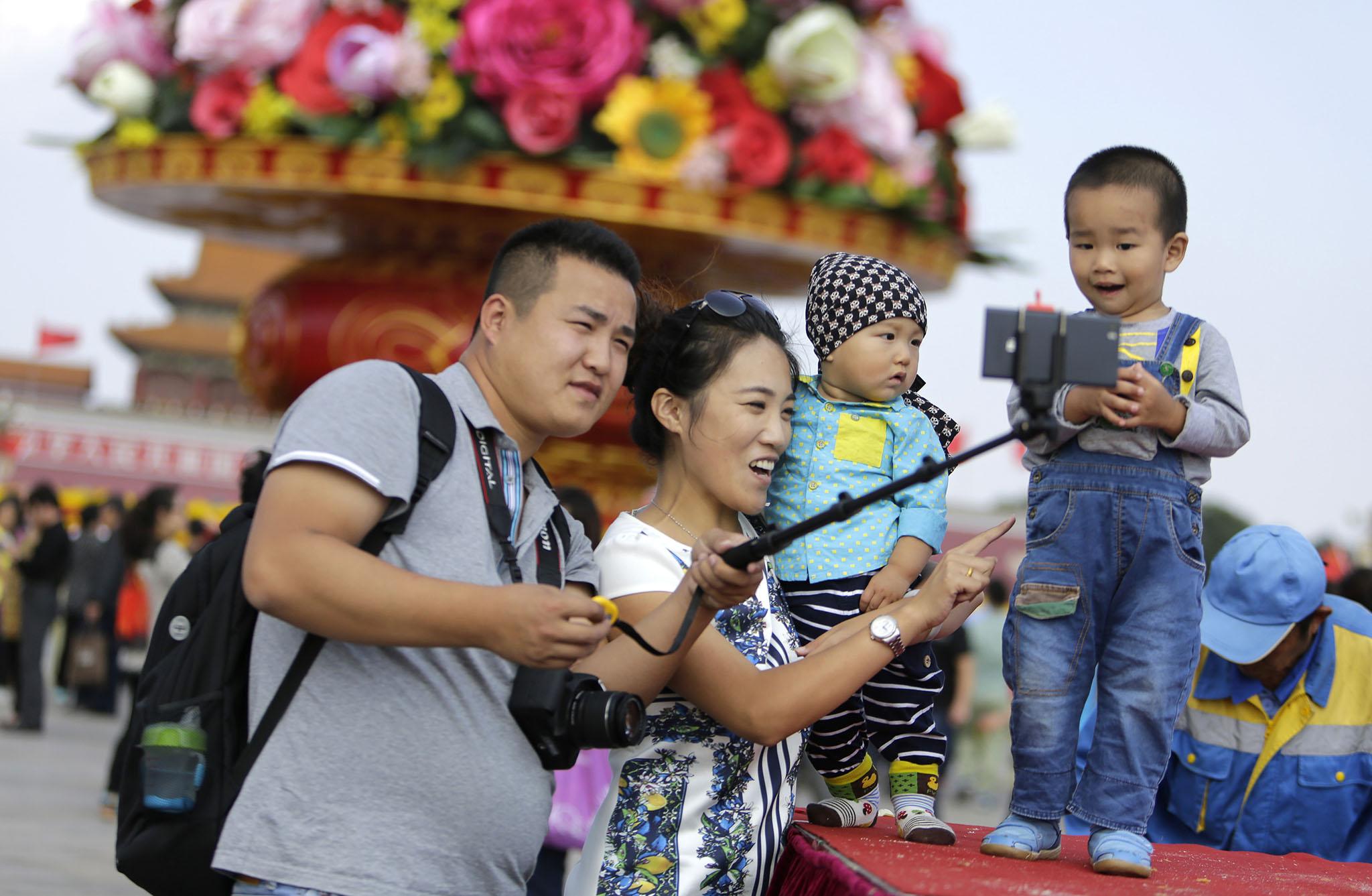 China | Natalidade aumentou 5,7 por cento depois do fim da política de filho único