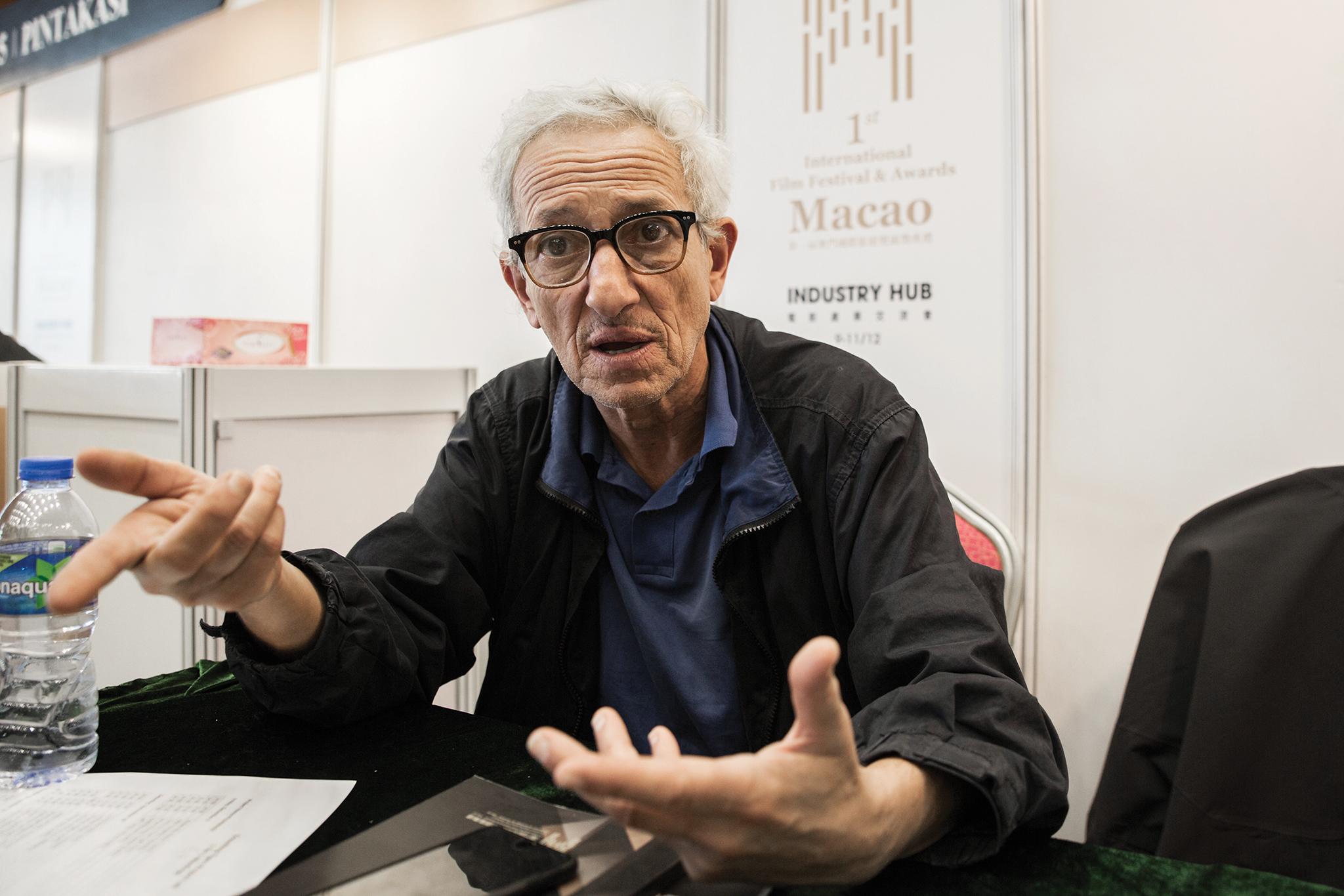 """João Botelho, realizador: """"Quando se constroem muros, é preciso pontes que os destruam"""""""