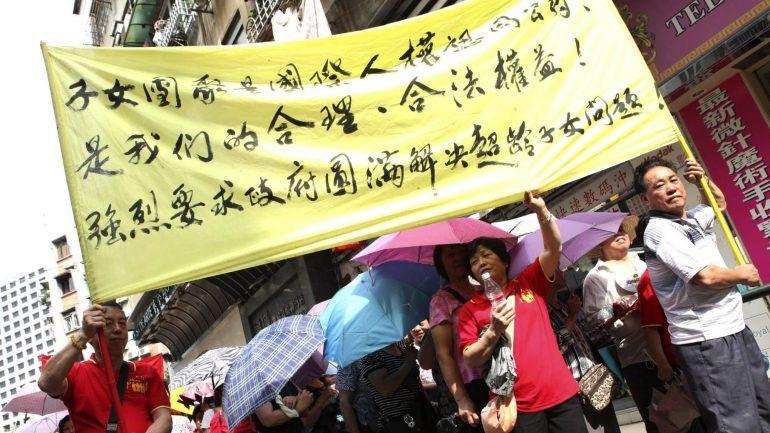 Aniversário da RAEM | Cerca de 600 pessoas saíram ontem à rua