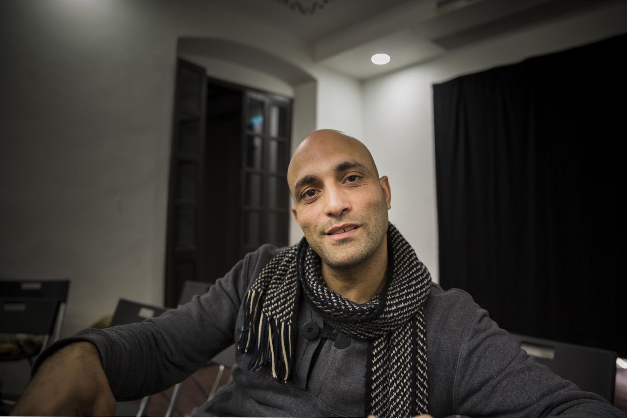 """Husam Abed, artista: """"Não sei o que é ter uma casa"""""""