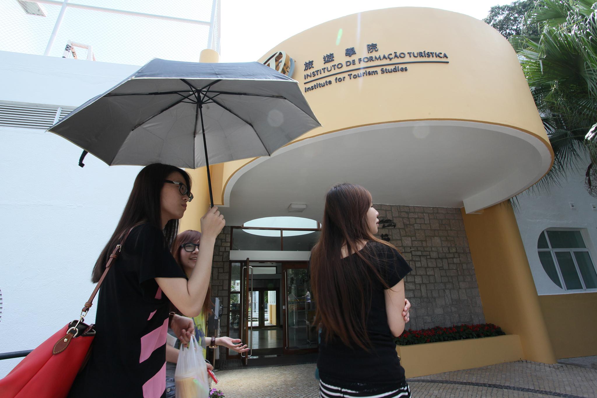 Polícia investiga alunos do IFT por apoio a manifestantes de Hong Kong