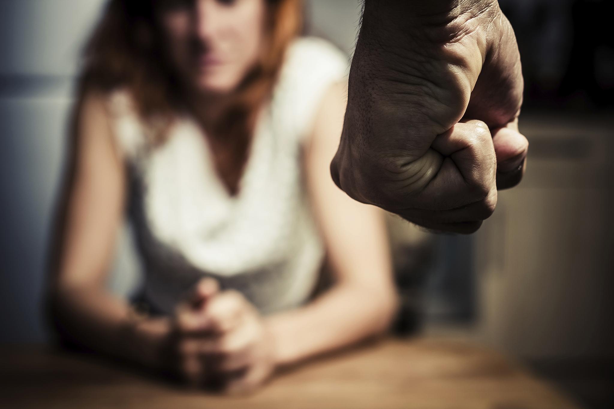 Violência doméstica | Pena de três anos de prisão por agressões