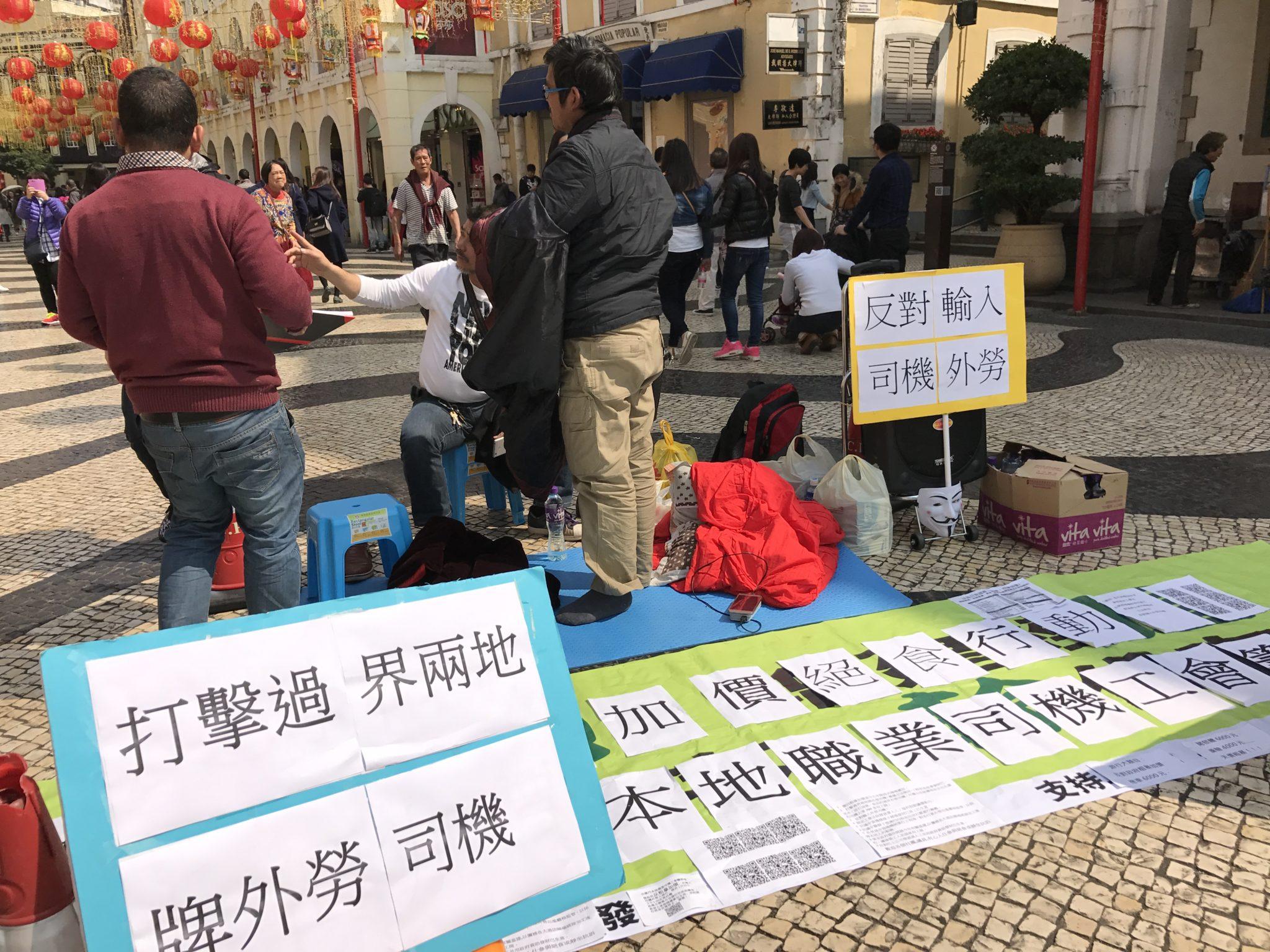 Protesto | Motoristas acampam no Leal Senado