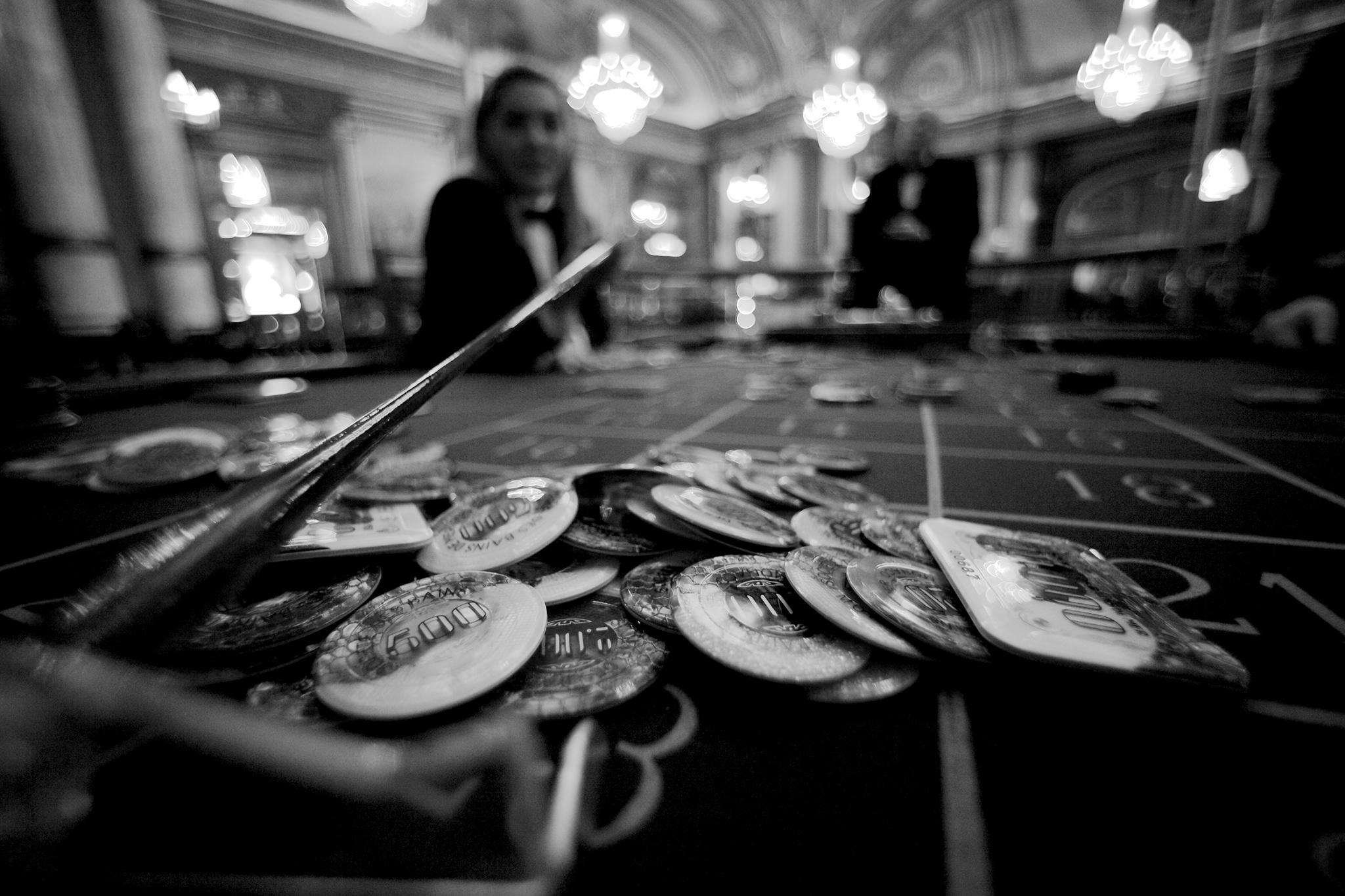 Vício | Jogo patológico é um problema invisível na terra dos casinos