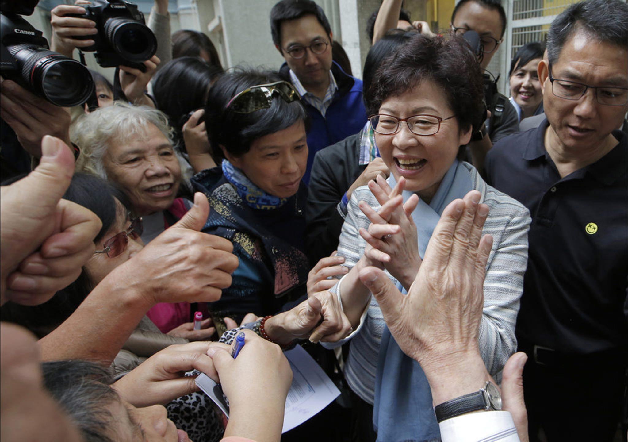 Lei em Hong Kong prevê prisão para quem insultar hino da China
