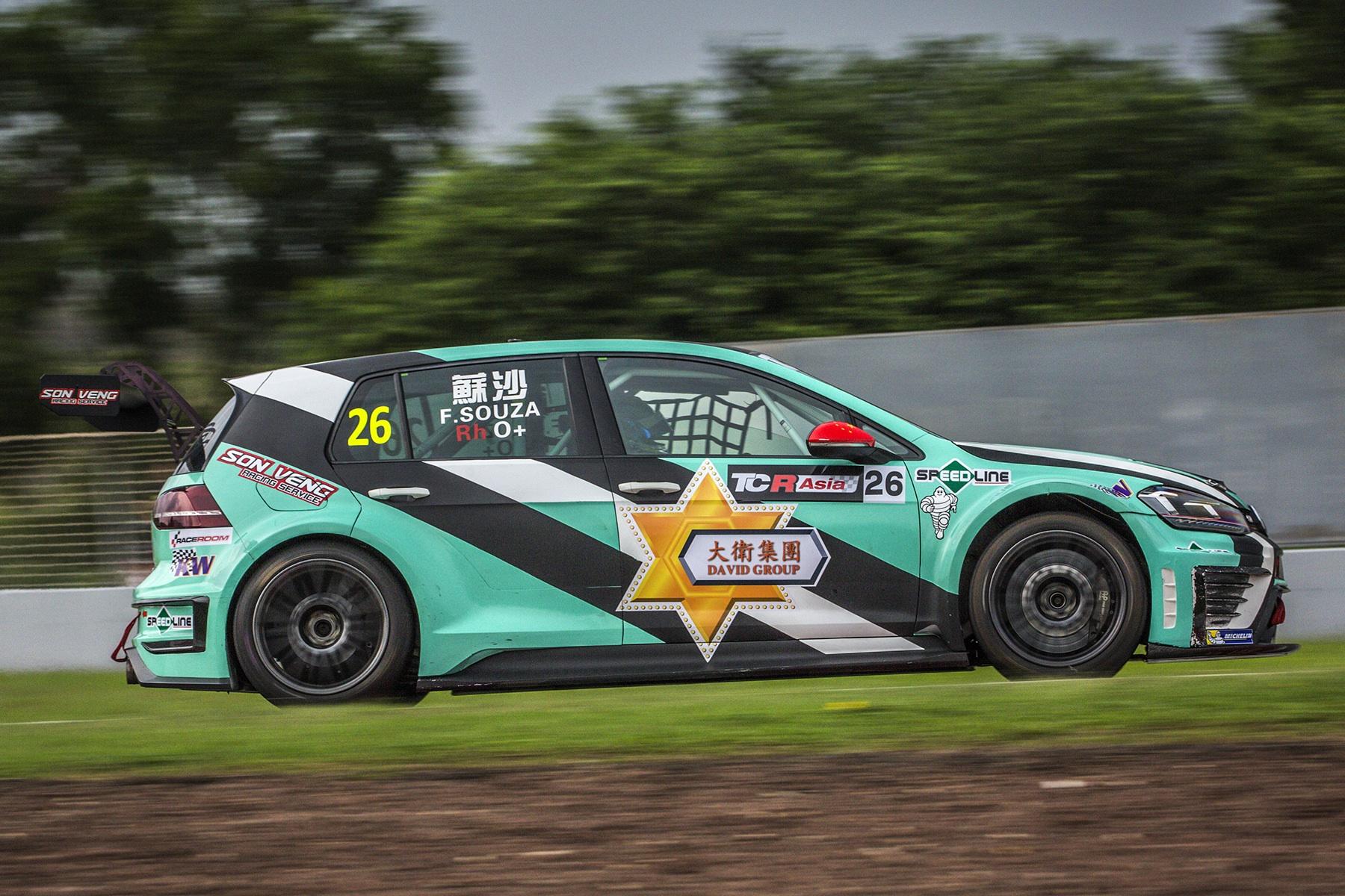 Automobilismo | Filipe Souza obtém segundo lugar na TCR Asia Series