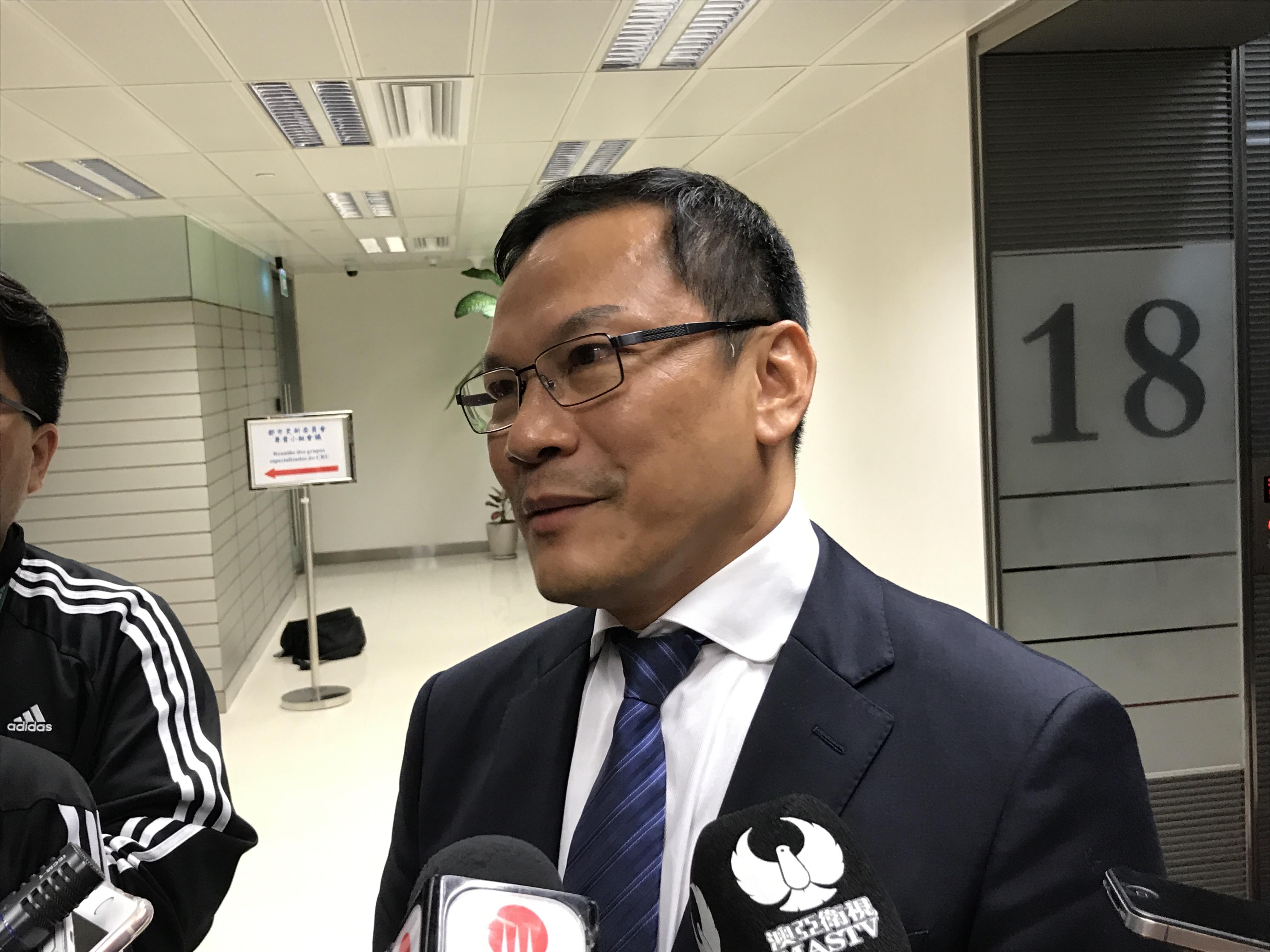 Rosário afasta mal-estar como razão da saída de Li Canfeng