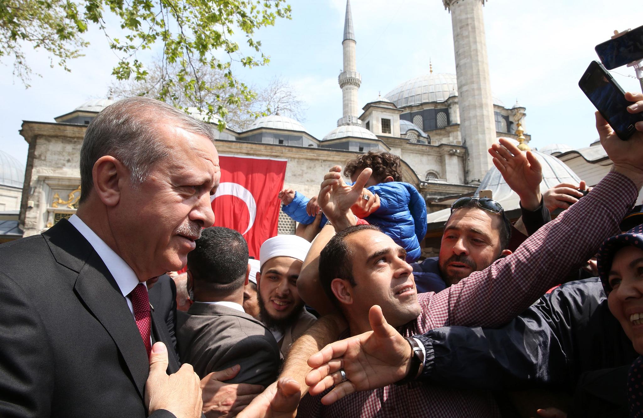 Turquia   Oposição contesta resultado de referendo