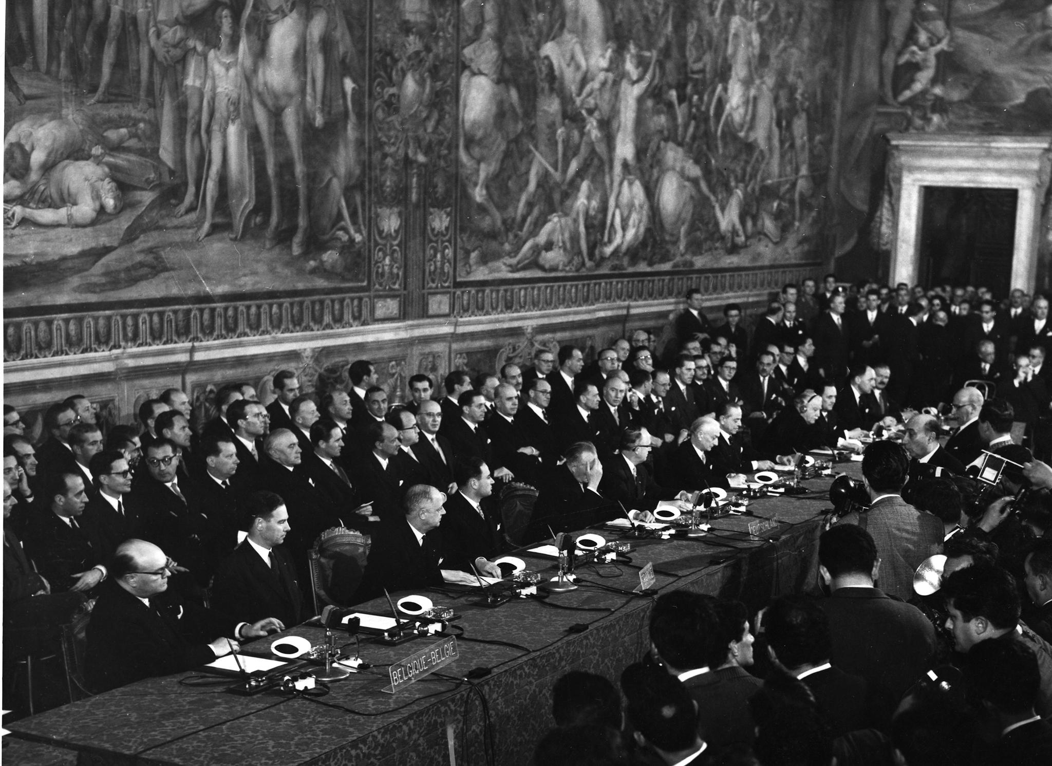 Análise | 60 anos depois da fundação, os desafios existenciais da União Europeia