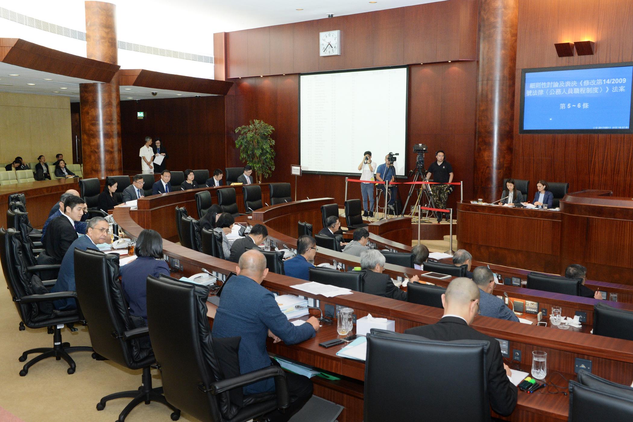 AL | Governo quer facilitar processos para abertura de estabelecimentos comerciais