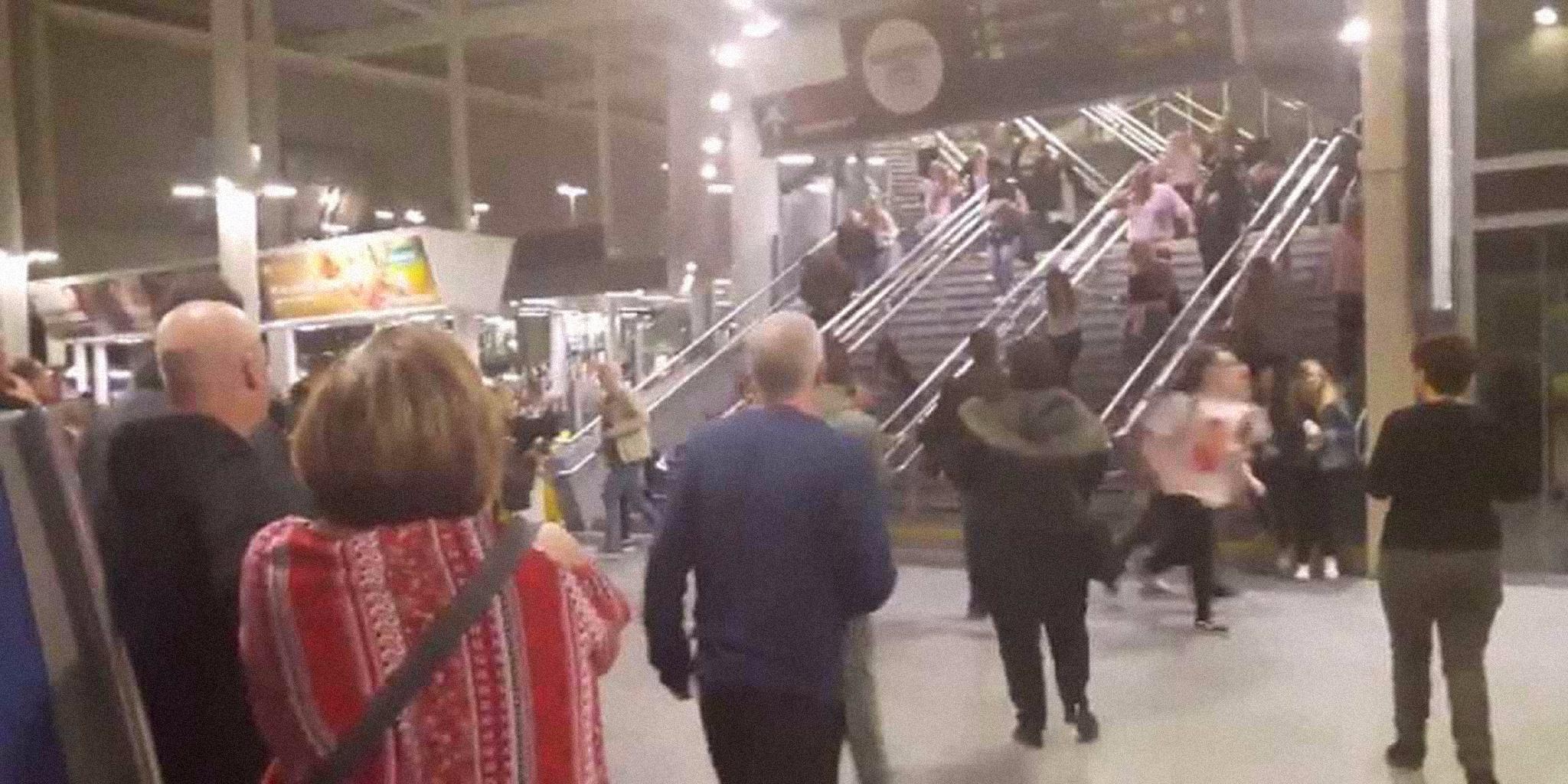 Terrorismo | Atentado em Inglaterra tira a vida a 22 pessoas. Campanha eleitoral suspensa