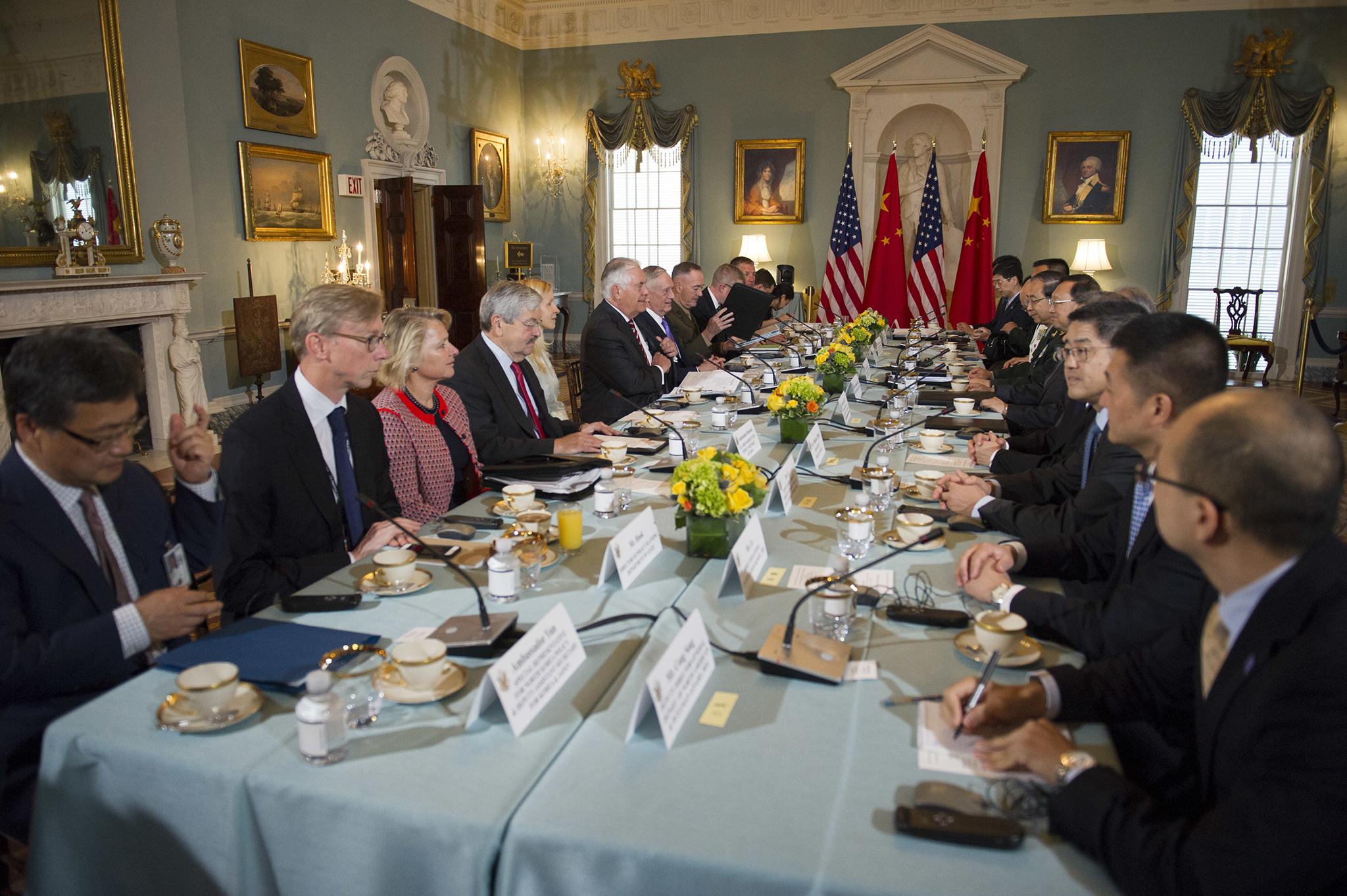 Encontro bilateral de segurança EUA-China   Unidos mas não convencidos