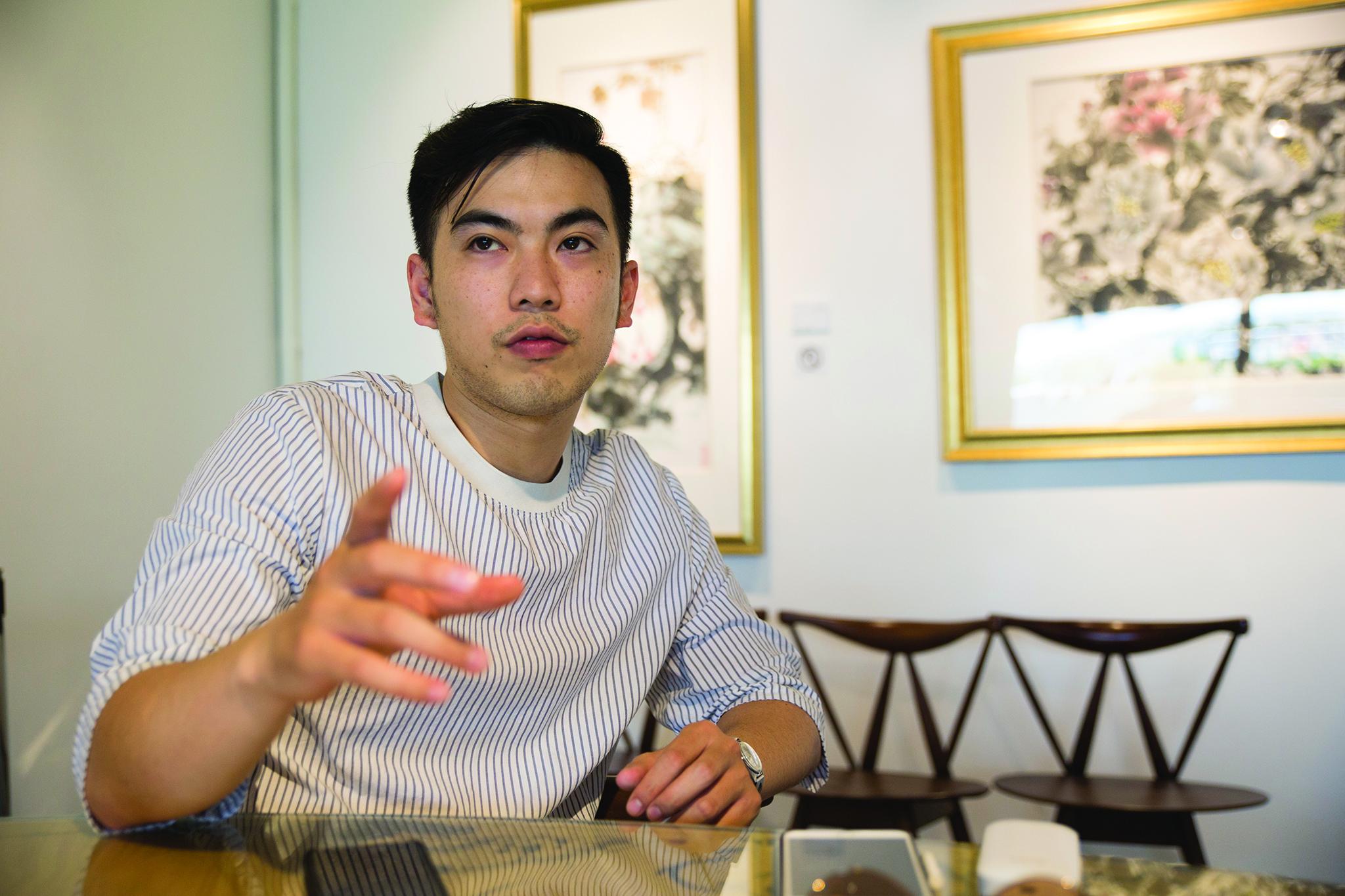 """Filipe Dores, artista plástico:""""Não há espaço para criar em Macau"""""""